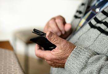 mobile-phone-smartphone-old-human-seniors-communication-phone-royalty-free-thumbnail